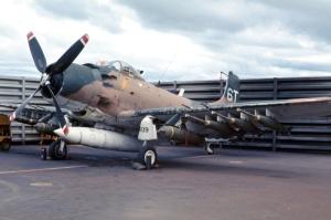 AF)Skyraider_A-1H-J_1969_-_00000033_-_USAF